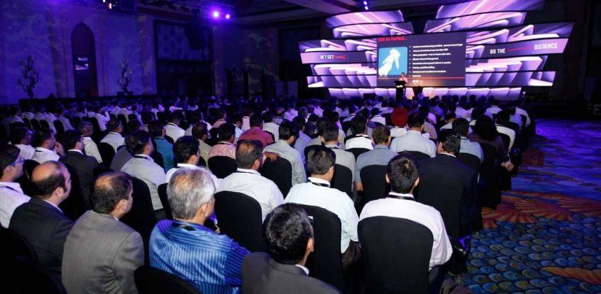 Dealers Meet in Dubai – Apollo